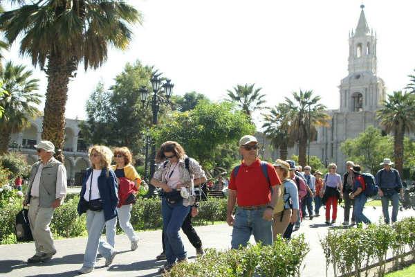Se estima que 760 mil turistas se movilizarán por feriado largo
