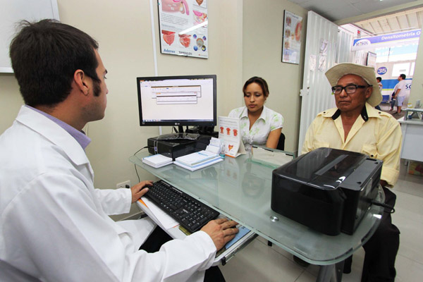 Aceleran implementación de historias clínicas electrónicas