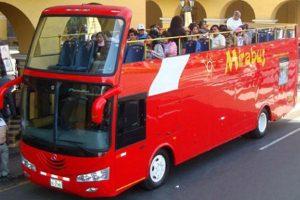Cerro San Cristóbal: 'Mirabus' afirma que bus accidentado no es de su empresa