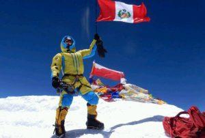 Montañista peruano llegó a la cima del Everest
