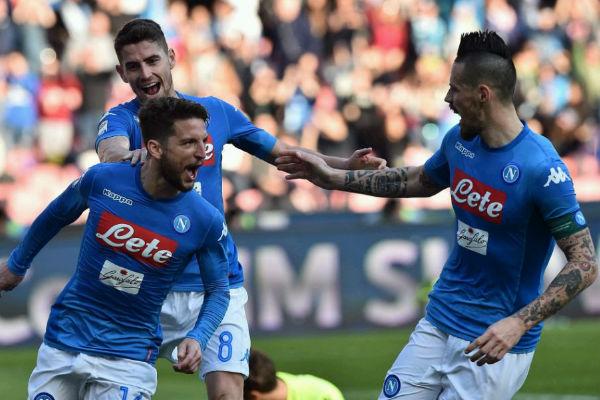Napoli venció al Bologna en el estadio San Paolo y sigue puntero
