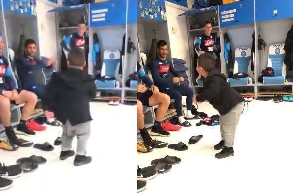 Italia: Baile de un niño en el vestuario del Napoli es viral en redes sociales