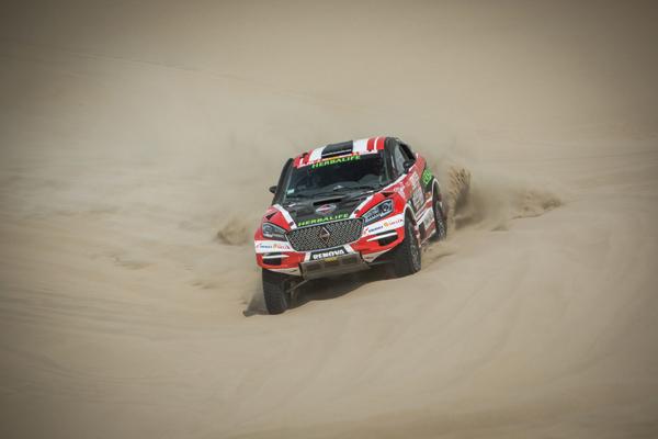 Nicolás Fuchs llega tercero en la primera etapa del Rally Dakar