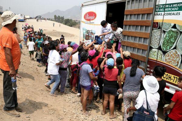 Chosica: Parlamento Andino entrega 5 toneladas de ayuda humanitaria