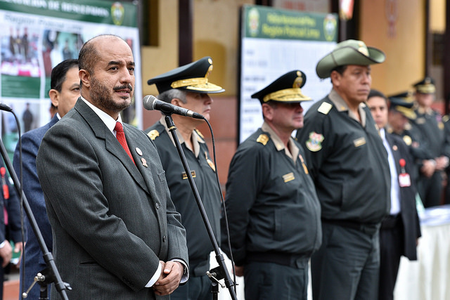 Desde el 2016 policías no vestirán uniforme cuando den resguardo privado
