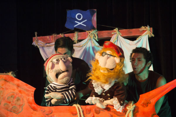 """""""¡Llegaron los Piratas!"""" de Giancarlo Mori en el Teatro de la Asociación de Artistas Aficionados"""