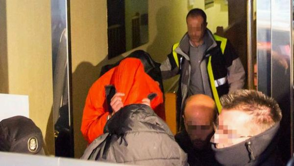 España: Futbolistas son arrestados por agresión sexual a menor