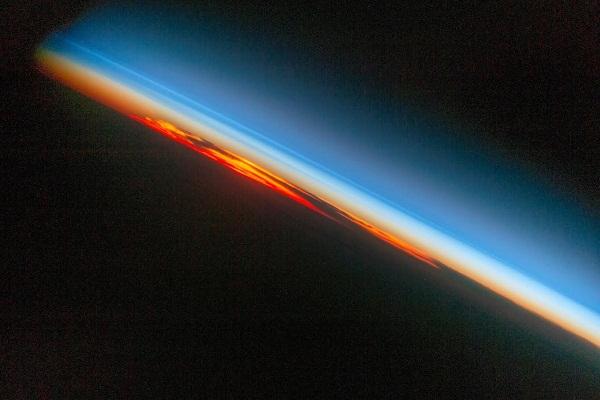 """Astronauta retrata una """"puesta de sol"""""""