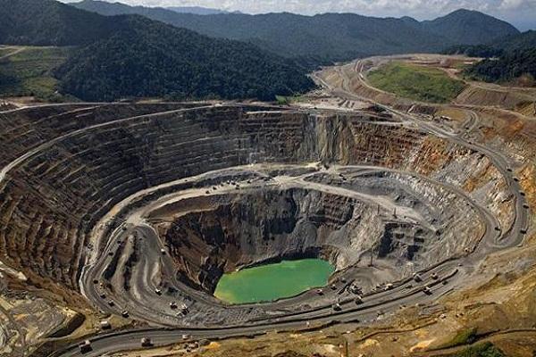 Perú espera que Anglo American decida explotar mina