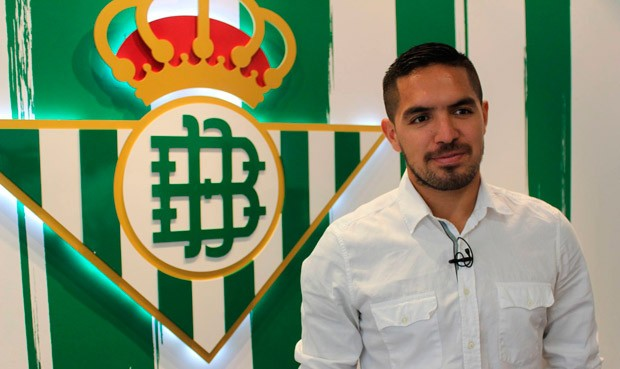 Juan Manuel Vargas llega al Real Betis (video)