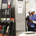 Suben precios de combustibles en pleno operativo fiscalizador