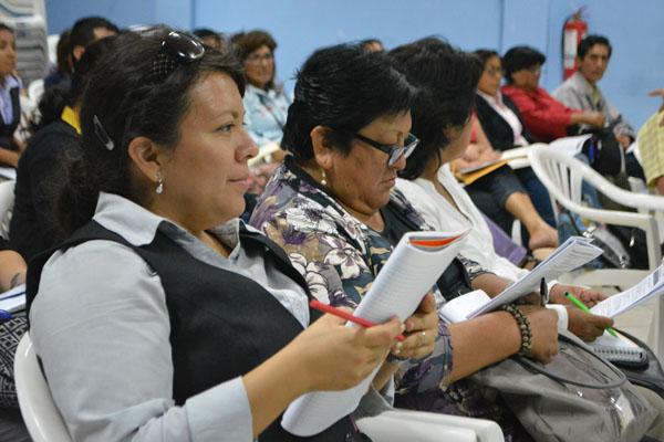 Maestros mejoran ingresos gracias a capacitación municipal docente