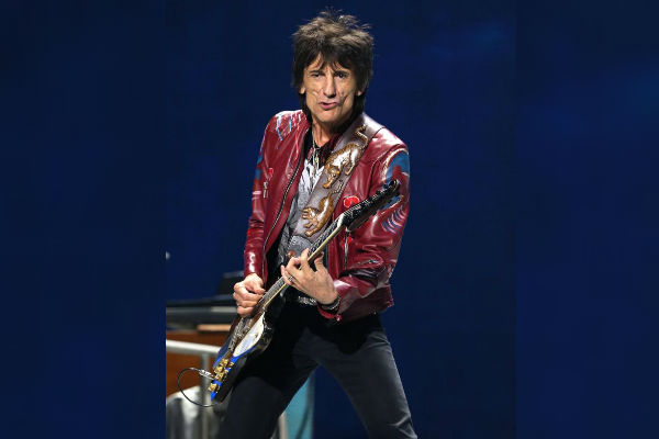 Rolling Stones: Ronnie Wood lucha contra el cáncer