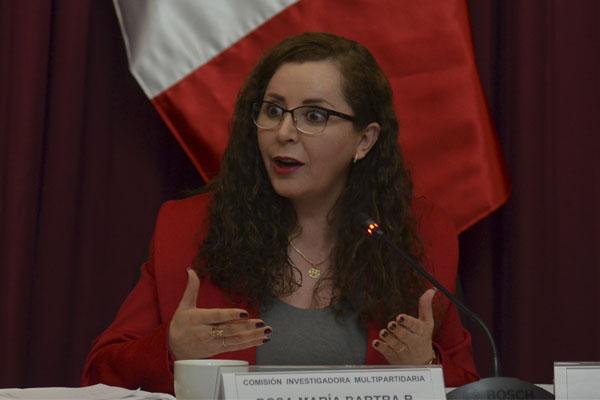 Rosa Bartra: «¿Y por qué m… no leyeron para votar?»