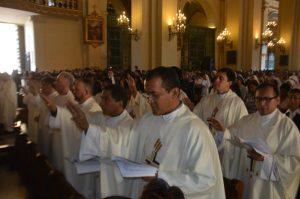 Chile: Suspenden a 14 sacerdotes por denuncias de abusos sexuales