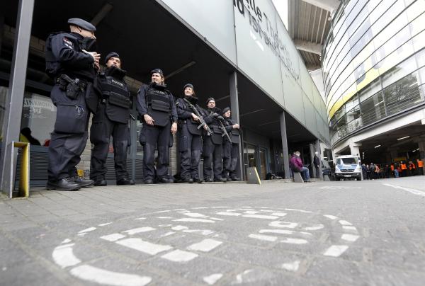 Alemania: refuerzan seguridad para partido del Borussia Dortmund