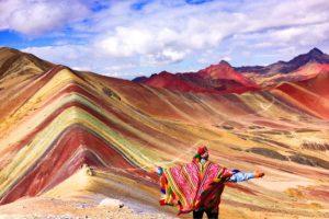 Empresa minera dejará concesión de 'montaña de siete colores'