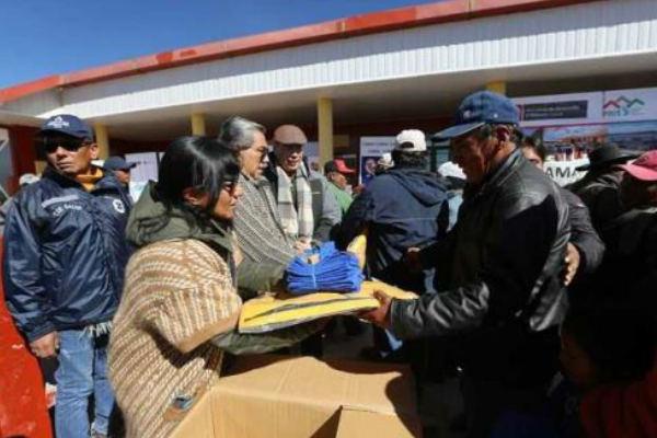 Tacna: Minsa lleva ayuda humanitaria a pobladores de Huaytire
