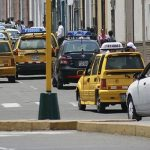 Huelga de maestros genera pérdidas económicas a taxistas y al transporte público