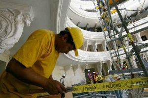 INEI: Población ocupada de 45 y más años se incrementó en Lima