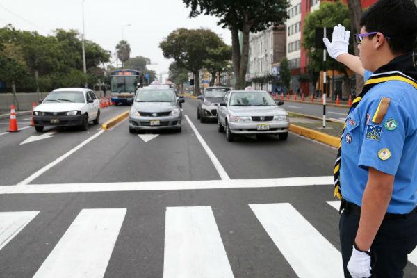 Santa Rosa de Lima: Scouts dirigen tránsito en Lima y Callao por tradicional fecha