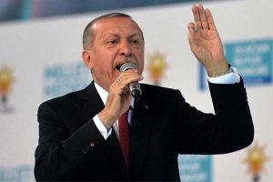 La lira turca ha perdido 38 % frente al dólar desde inicios del año.
