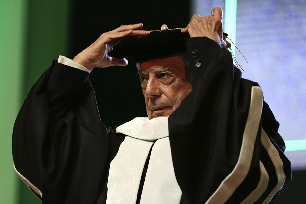 Vargas Llosa: Doctor honoris causa por la Universidad de Friburgo