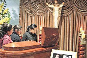 Carmencita Lara: Peruanos dan último adiós a la cantante