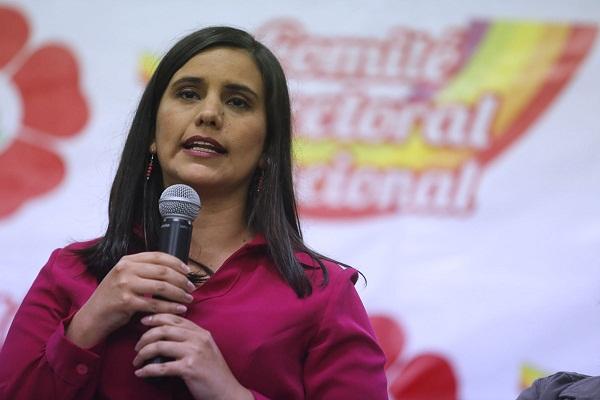 Verónika Mendoza pide salir a las calles