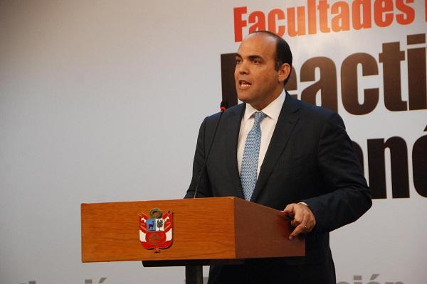 "Zavala destaca la ""solvencia"" del ministro Saavedra"