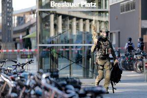 Alemania: Acaba toma de rehenes en estación de trenes en la ciudad de Colonia