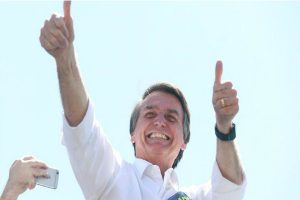 Bolsonaro saca 14 puntos a Haddad en encuestas