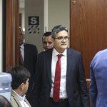 Referéndum 2018: José Domingo Pérez acude a votar y es recibido con aplausos
