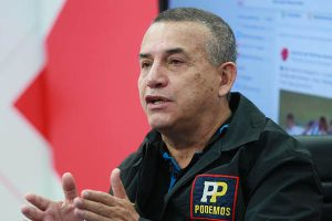 Urresti apoya medida de retirar resguardo policial a congresistas