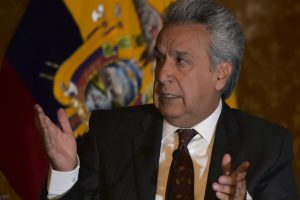 Ecuador echa a embajadora de Venezuela por insultos a su presidente