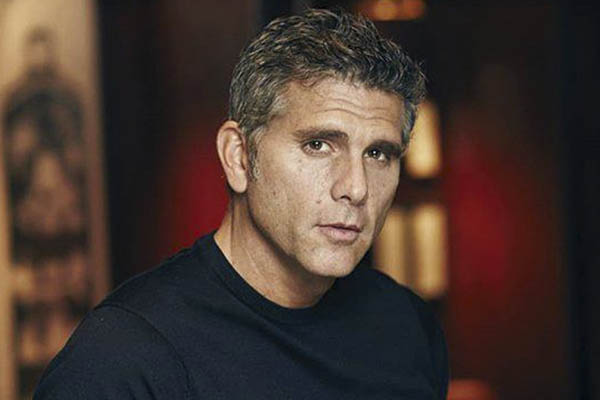 Christian Meier crítica a Gregorio Santos y Vladimir Cerrón por fotografía en Starbucks
