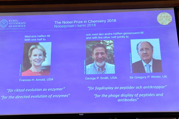Premio Nobel de Química para Frances Arnold, George Smith y Gregory Winter