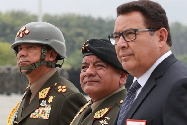Ministro de Defensa descarta los rumores de un posible golpe de Estado [VÍDEO]