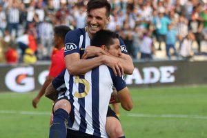 Alianza Lima vence a Sport Huancayo (2-1) y se mete a la sefimifal