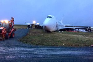 Canadá: Despiste de avión provocó que 4 tripulantes se encuentren heridos
