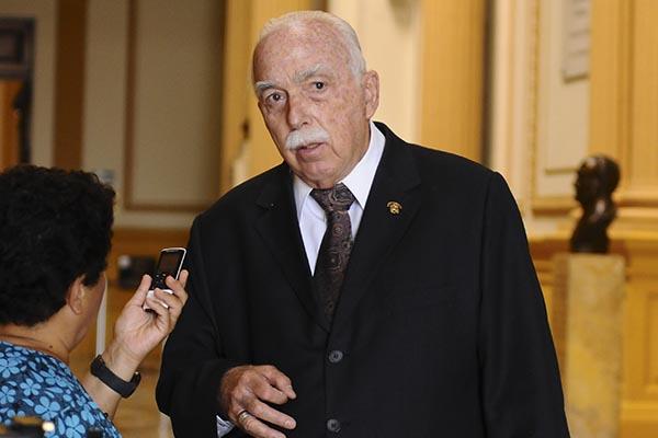 """Carlos Tubino: """"No he leído la denuncia pero felicito a la congresista Rosa Bartra"""""""