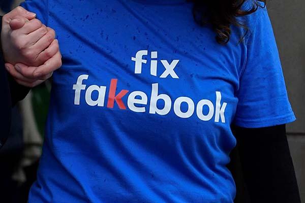 Legisladores internacionales critican efecto de Facebook