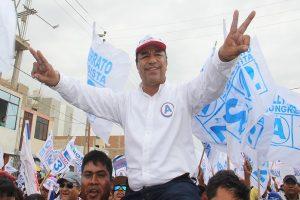 Lambayeque: PNP detiene a alcalde electo de Olmos, Willy Serrato Puse [VÍDEO]
