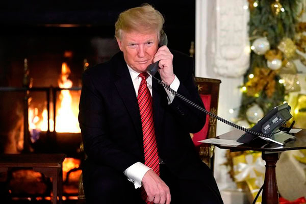 """Donald Trump: """"¿Sigues creyendo en Santa a tu edad?"""""""