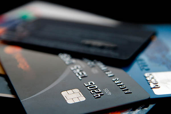 Advierten sobre uso indiscriminado de tarjetas de crédito