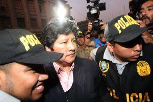 Edwin Oviedo trasladado a sede del PJ para el control de identidad [VÍDEO]