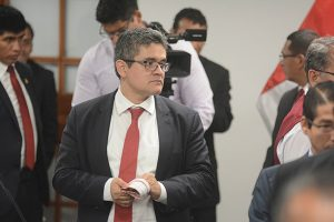 Cuestionan tesis de fiscal Pérez por presunto plagio