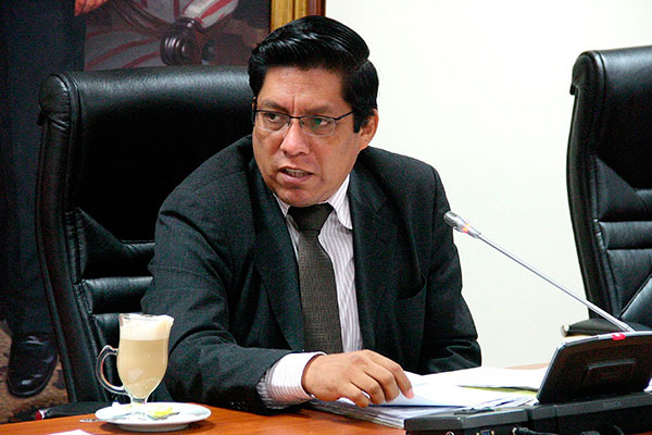 Vicente Zeballos: Ley del financiamiento a partidos políticos tiene contradicciones de índole penal