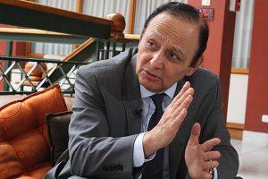 Defensor del Pueblo: No se puede plantear confianza por reforma constitucional