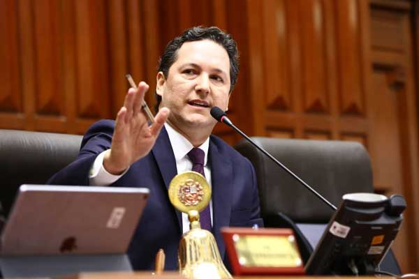 Daniel Salaverry: Legislatura ordinaria es ampliada hasta el 1 de febrero